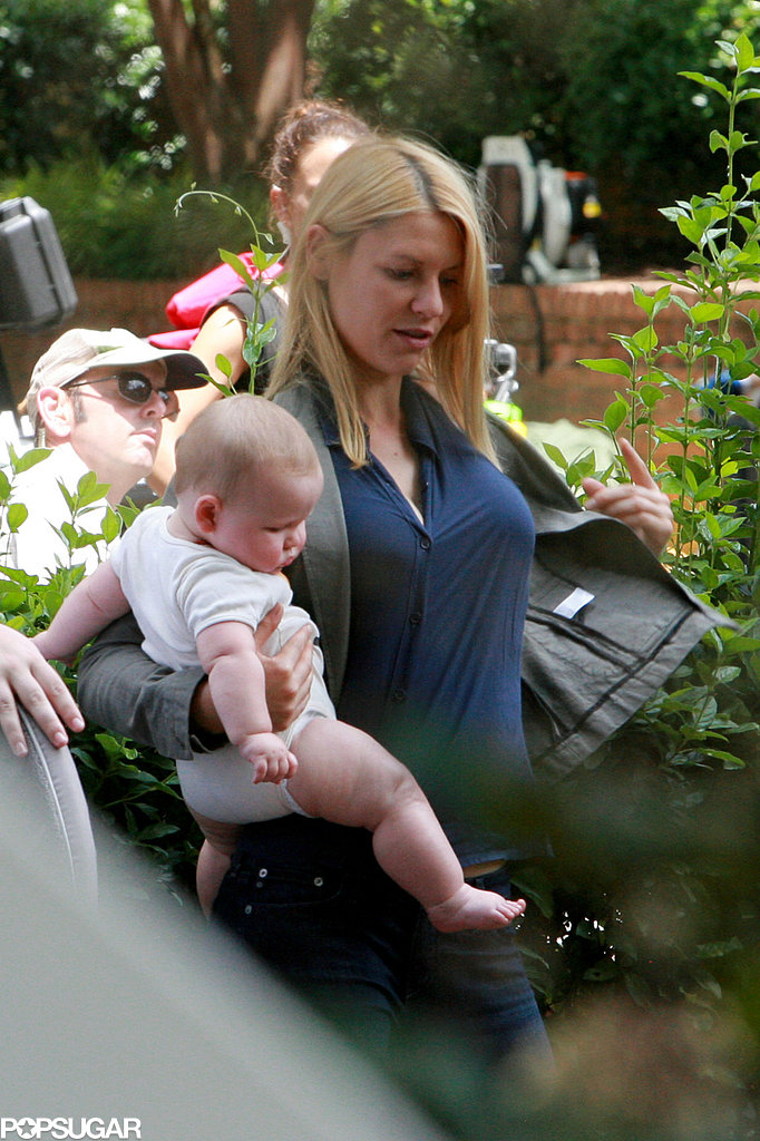 Claire Danes held onto her baby, Cyrus, while she took a break from filming.
