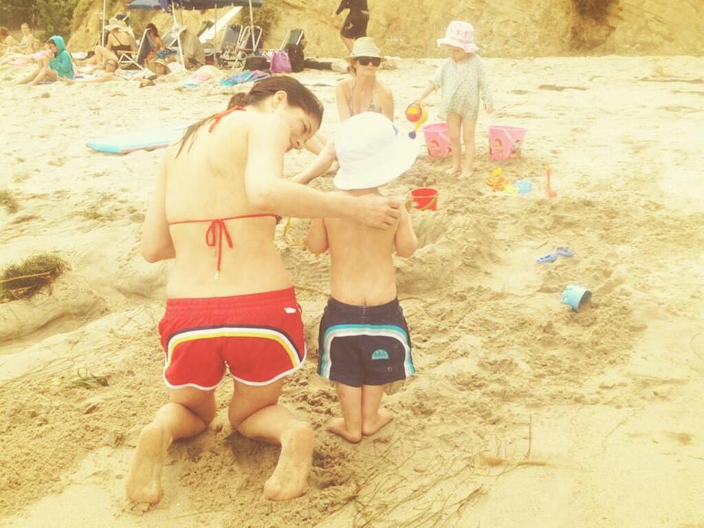 Selma Blair and Arthur showed off their matching rainbow beach bums. Source: Twitter user SelmaBlair