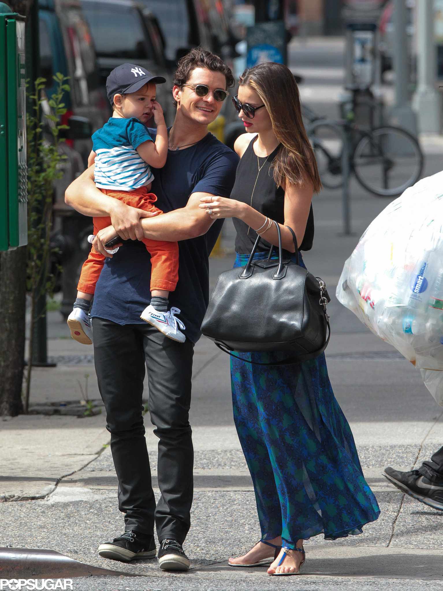 Miranda Kerr wore a maxi skirt while hanging out with Orlando Bloom and their son, Flynn.