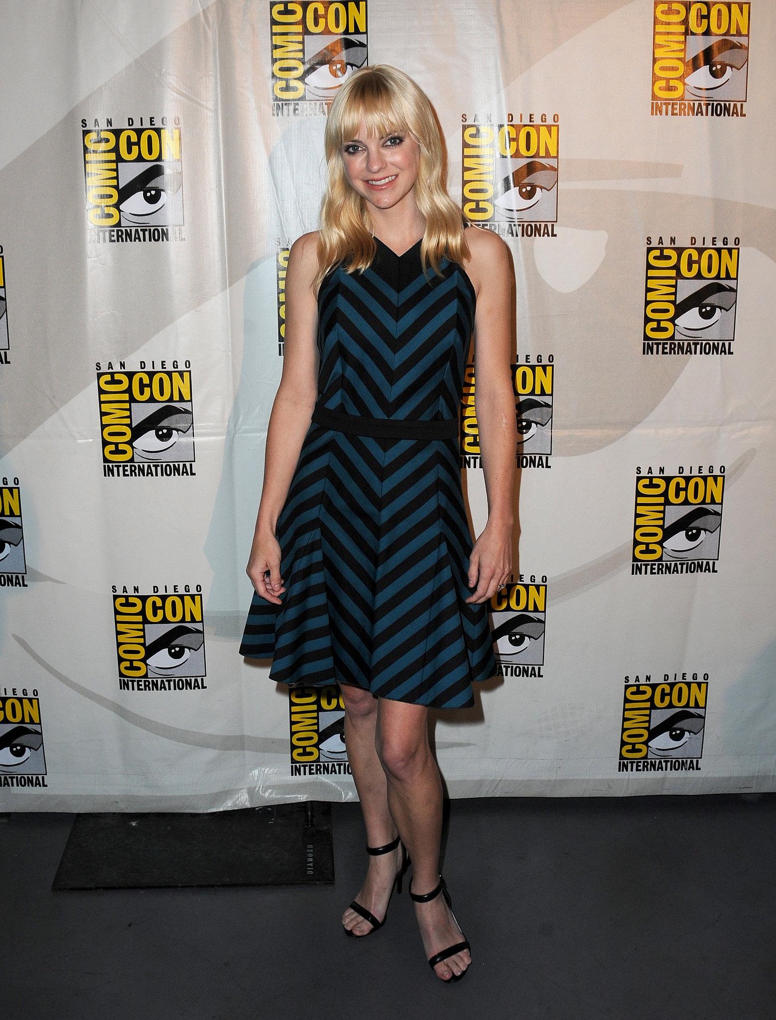 Anna Faris attended Comic-Con.