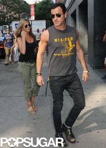 Jennifer-Aniston-Justin-Theroux-visited-movie-theater-NYC
