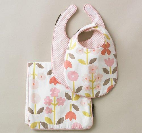 Rosette Blossom Bibs/Burp Set
