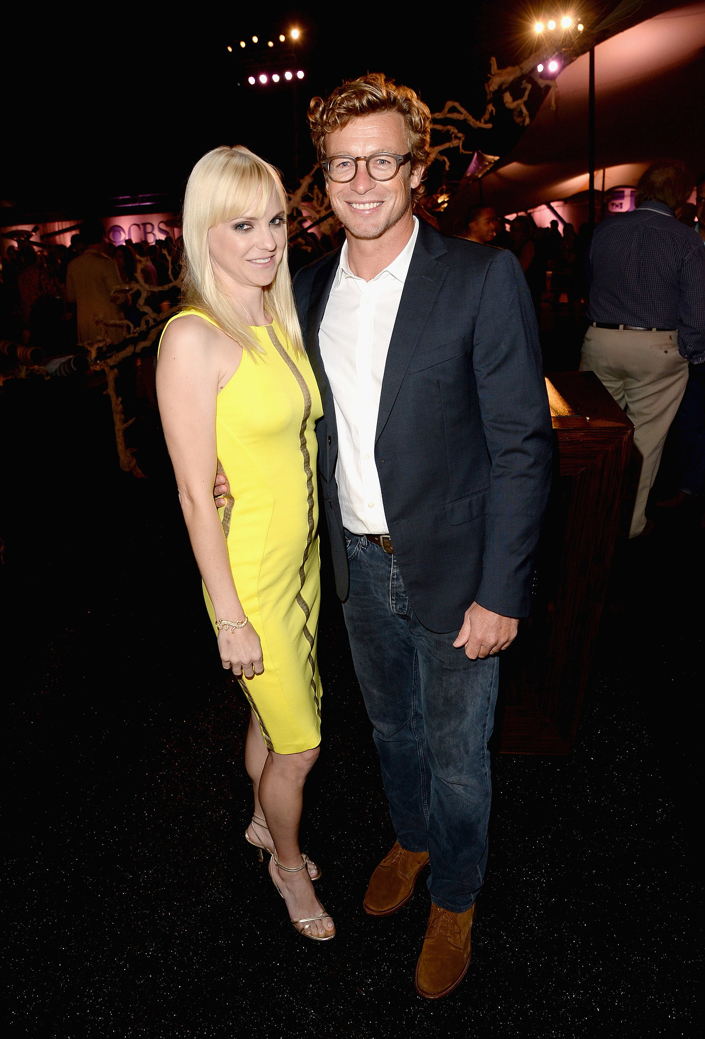 Simon Baker and Anna Faris posed together at the CW, CBS, and Showtime party.
