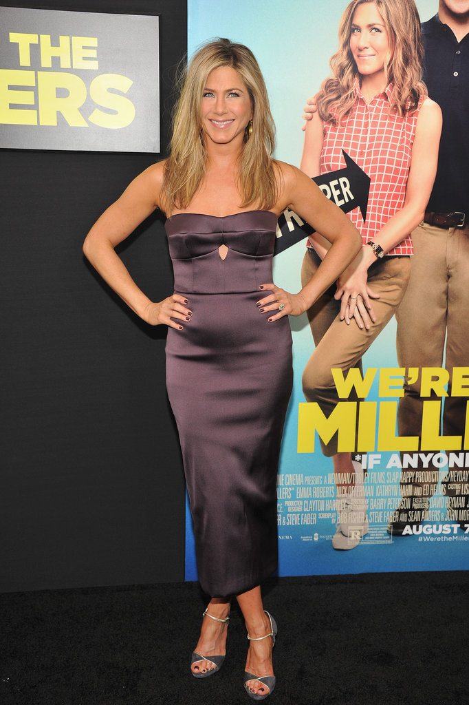 At the We're the Millers premiere, Jennifer Aniston worked her curves in a slim Burberry sheath and Casadei sandals. Source: Burberry