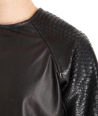 En Noir Raglan Sleeve Sweater