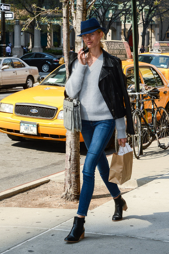 Karolína Kurková's skinny jeans, ankle boots, and sweater look is the classic stuff of Fall.