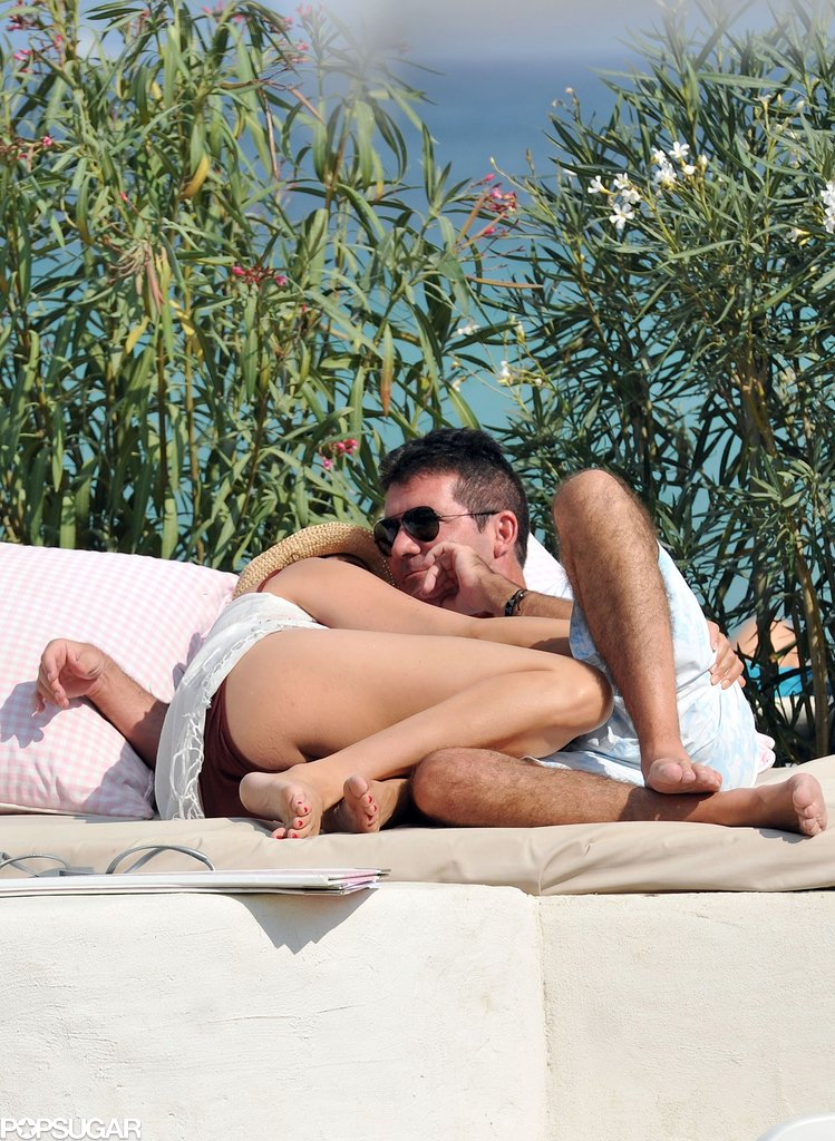 Lauren Silverman cozied up to Simon Cowell on the beach in St.-Tropez.