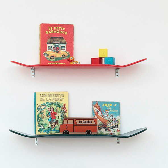 How fun! Your little skater will get a kick out of this small but stylish  Leçons de Choses red wooden skateboard shelf ($106).