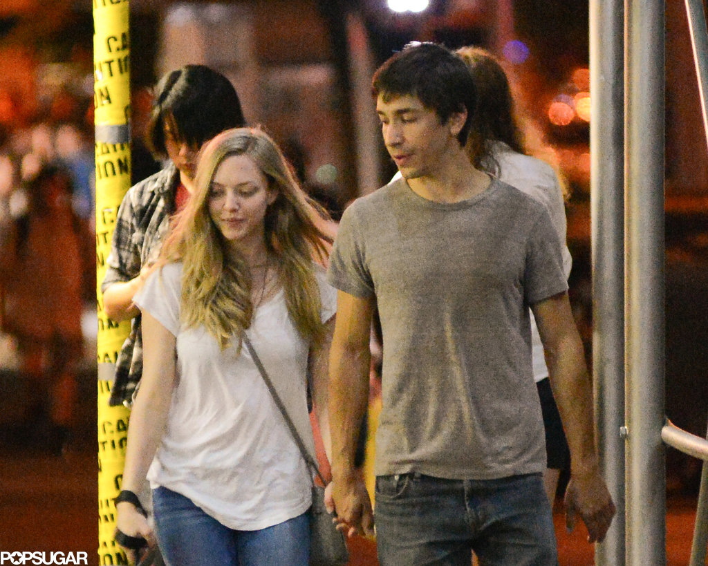 Amanda Seyfried and Justin Long held hands in NYC.