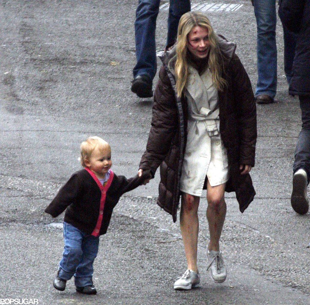 Michelle Williams and young Matilda played on the London set of Incendiary during March 2007.