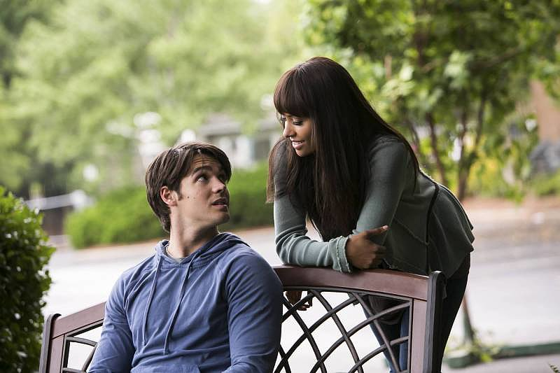 The Vampire Diaries Steven R. McQueen and Kat Graham on the season five premiere of The Vampire Diaries.