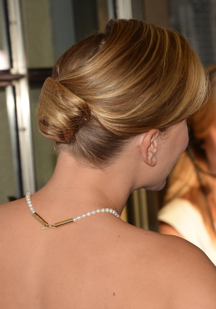 Fitting for her retro style, Scarlett Johansson went with a twisted updo for the Don Jon premiere.
