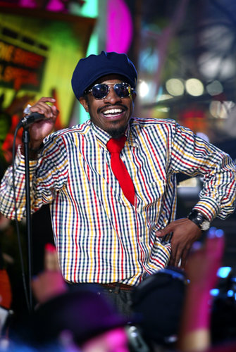 Andre 3000 of Outkast performed in 2003 for TRL's Halloween show.