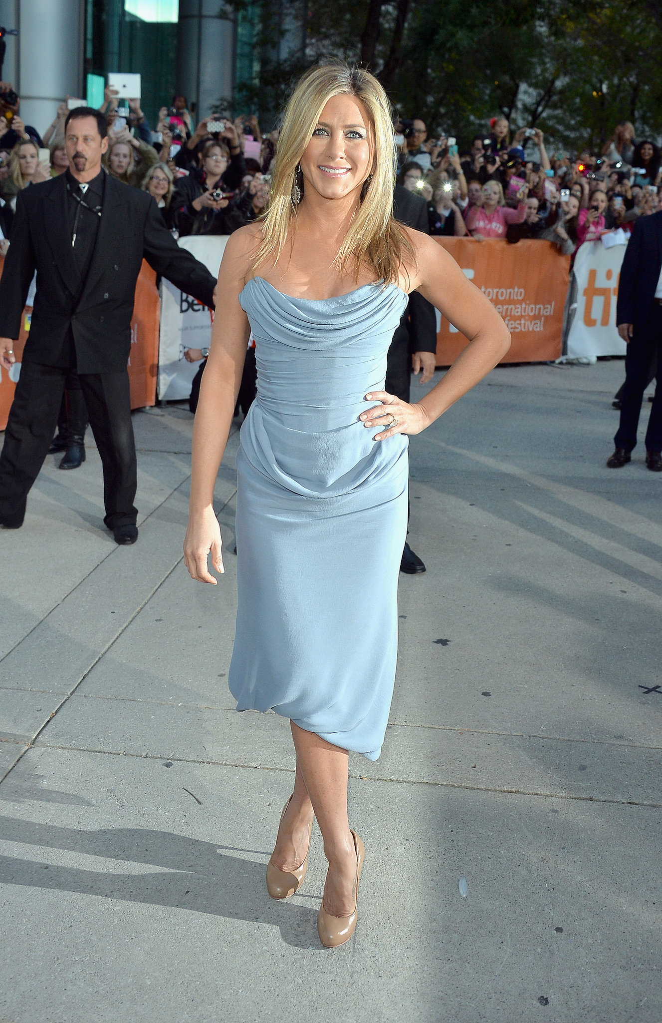 Jennifer Aniston premiered her film Life of Crime at the Toronto International Film Festival.
