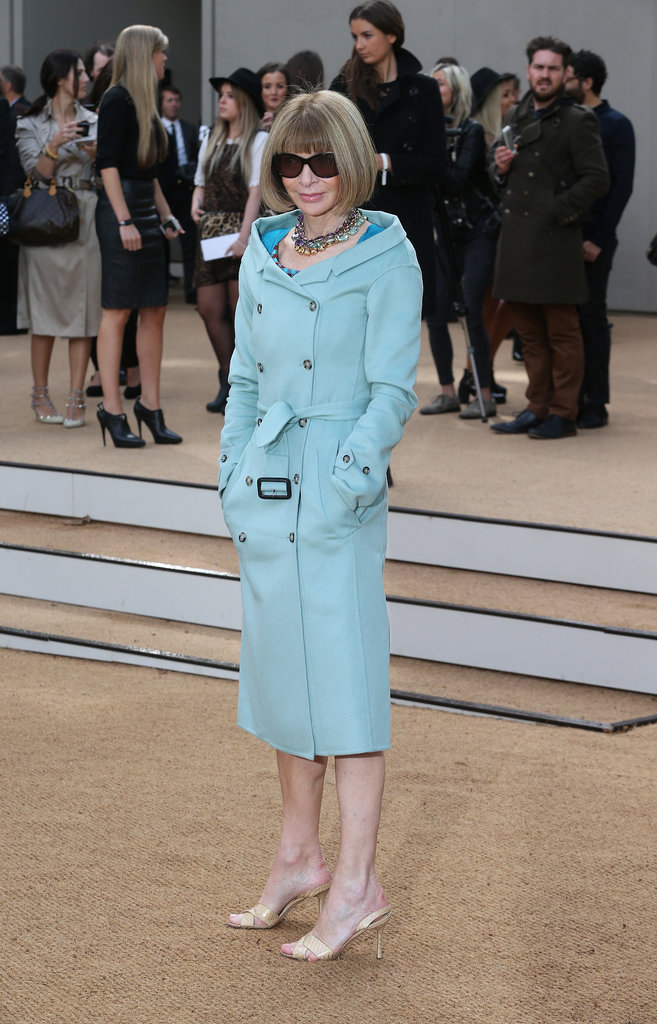 Anna Wintour looked lovely in pastels outside the Burberry show.