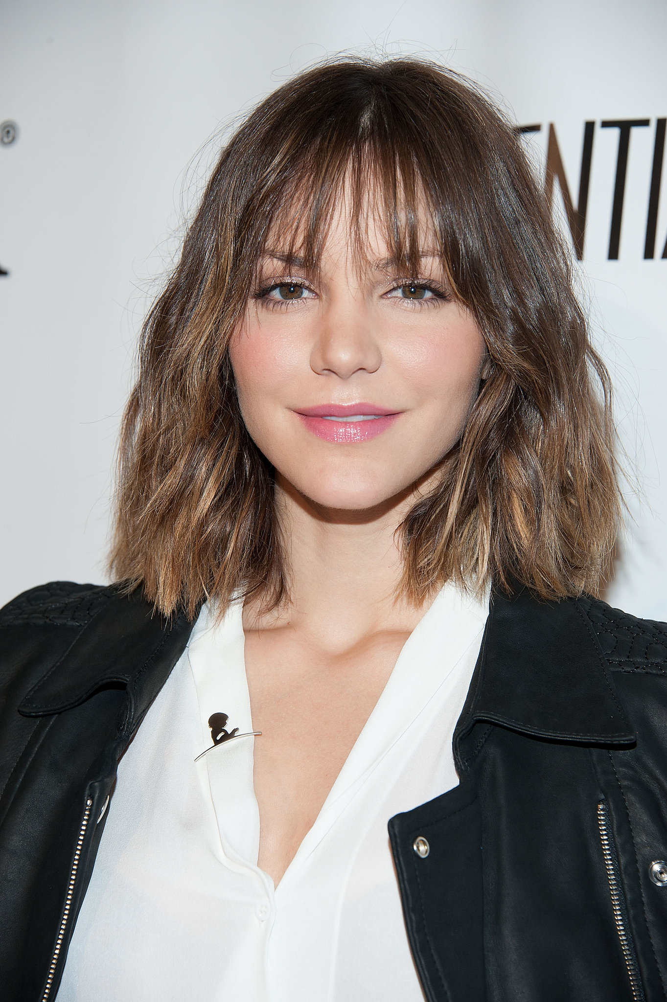 At Los Angeles Confidential's pre-Emmys party, Katharine McPhee paired her beachy waves with peachy cheeks and lips.