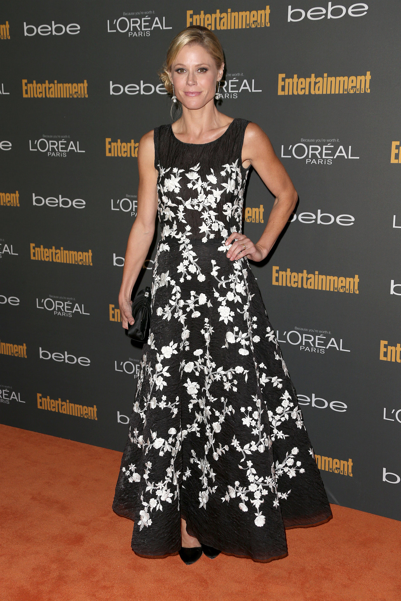 Julie Bowen's black-and-whit
