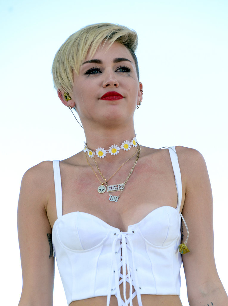 Miley Cyrus showed signs of tears on her cheeks.