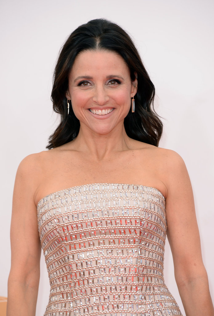 Julia Louis-Dreyfus was a prime example of how to mix your nude shades. She wore a taupe shadow and a neutral lipstick to match her champagne-colored gown.