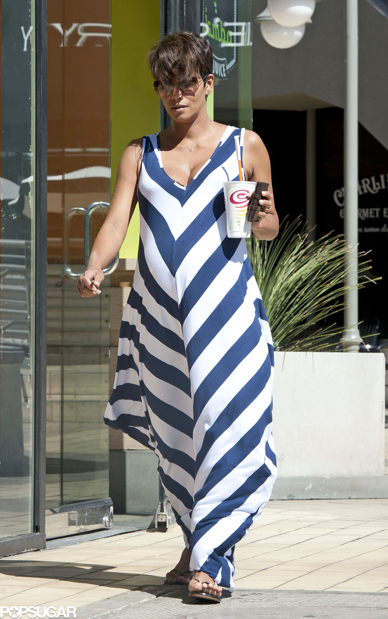 Halle Berry Bumps Her Way to Jamba Juice