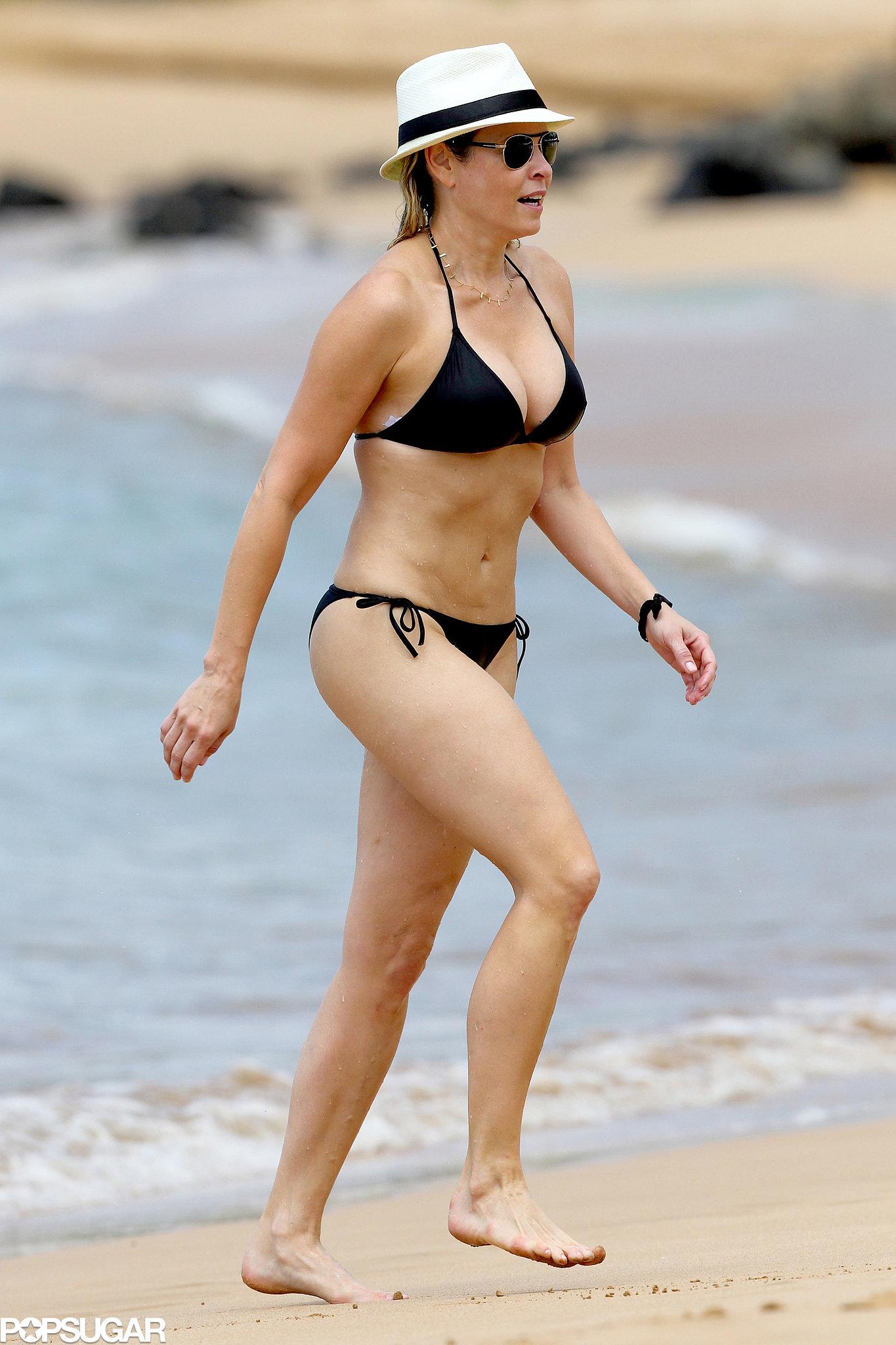 Chelsea Handler showed off her bikini body while at the beach in Hawaii.