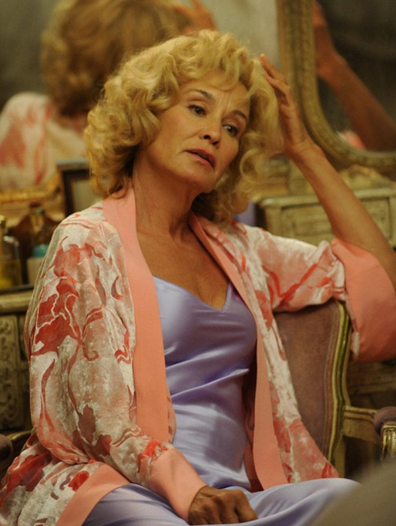 Constance Langdon, Season 1