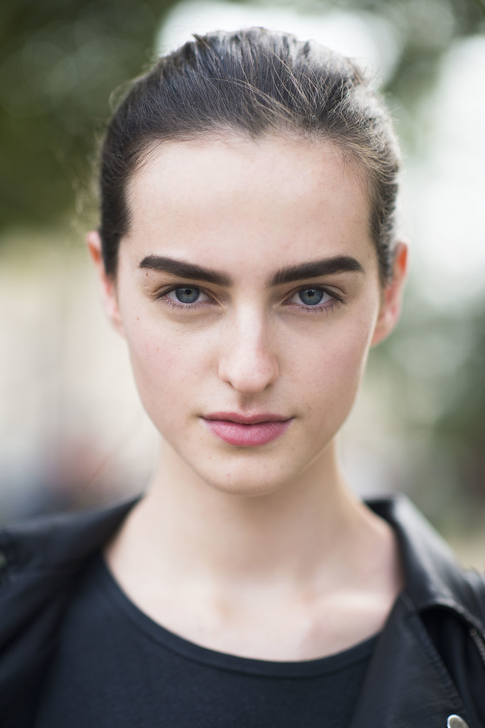 Bold brows and pink lips make a casual look that much better. Source: Le 21ème   Adam Katz Sinding