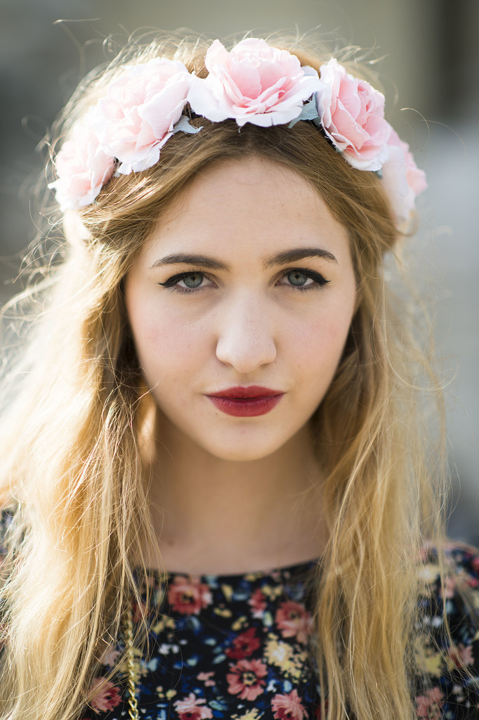 Elisa Baudoin's flower crown and moody lipstick combination is simply gorgeous.  Source: Le 21ème   Adam Katz Sinding