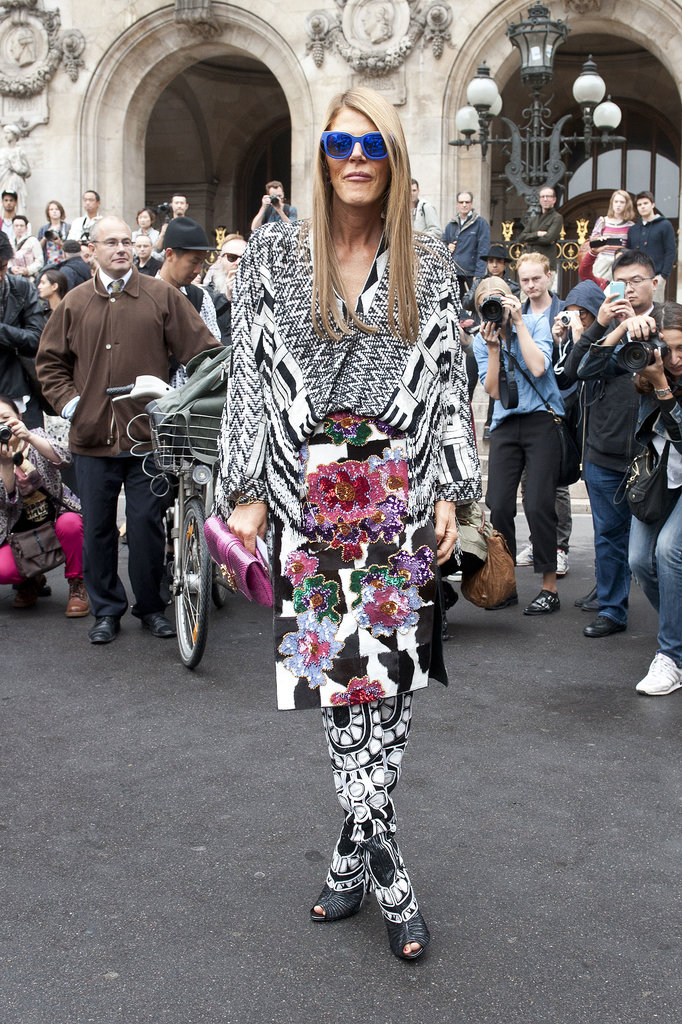 Anna Dello Russo knows how to draw a crowd.