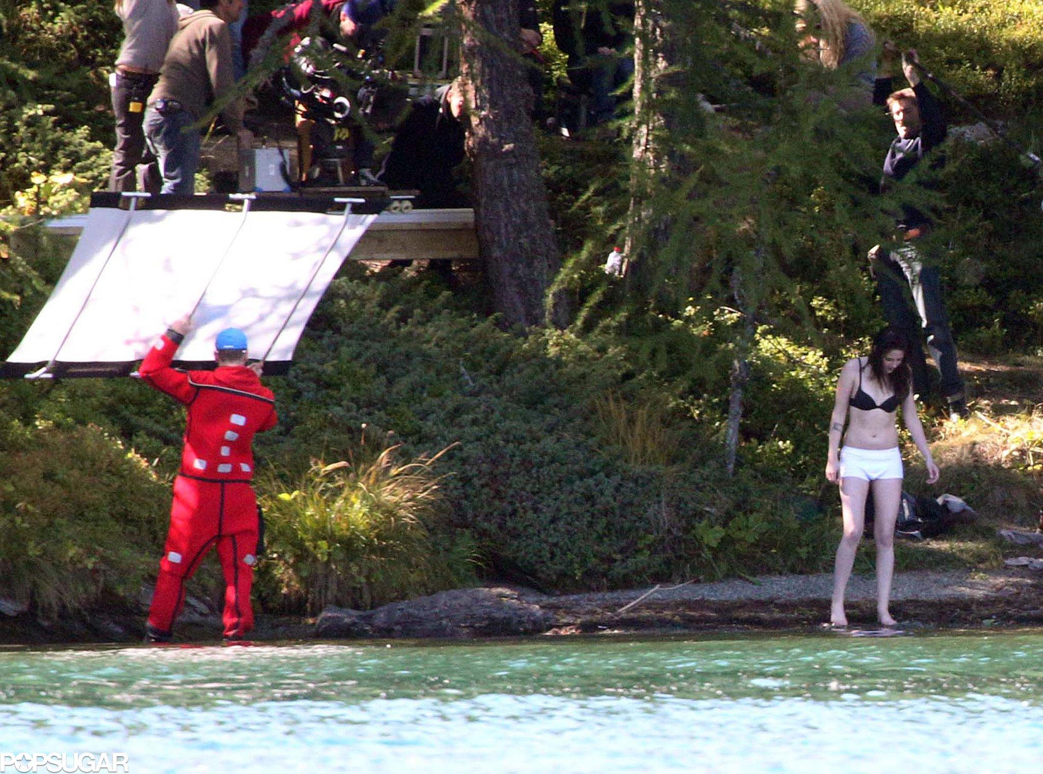 Kristen Stewart Strips Down on Set!
