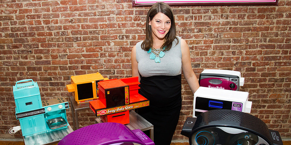 Gail Simmons Serves Up Easy Bake Oven Recipes and Pregnancy Food Aversions