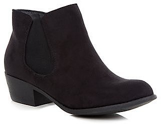 Black Low Heel Chelsea Boots