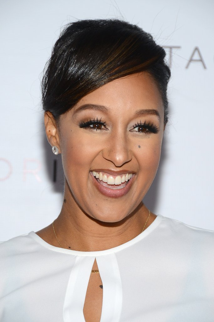 Tamera Mowry showed off flawless skin at an event for Club Tacori, but those enviable lashes are what makes this one of our favorite looks of the week.
