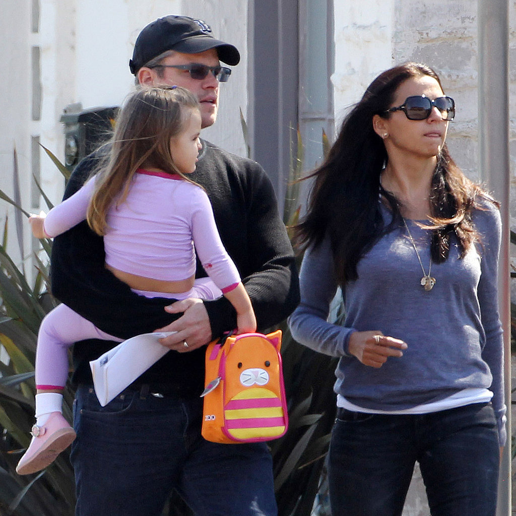 Matt Damon Daughters Matt Damon Carrying Daughter