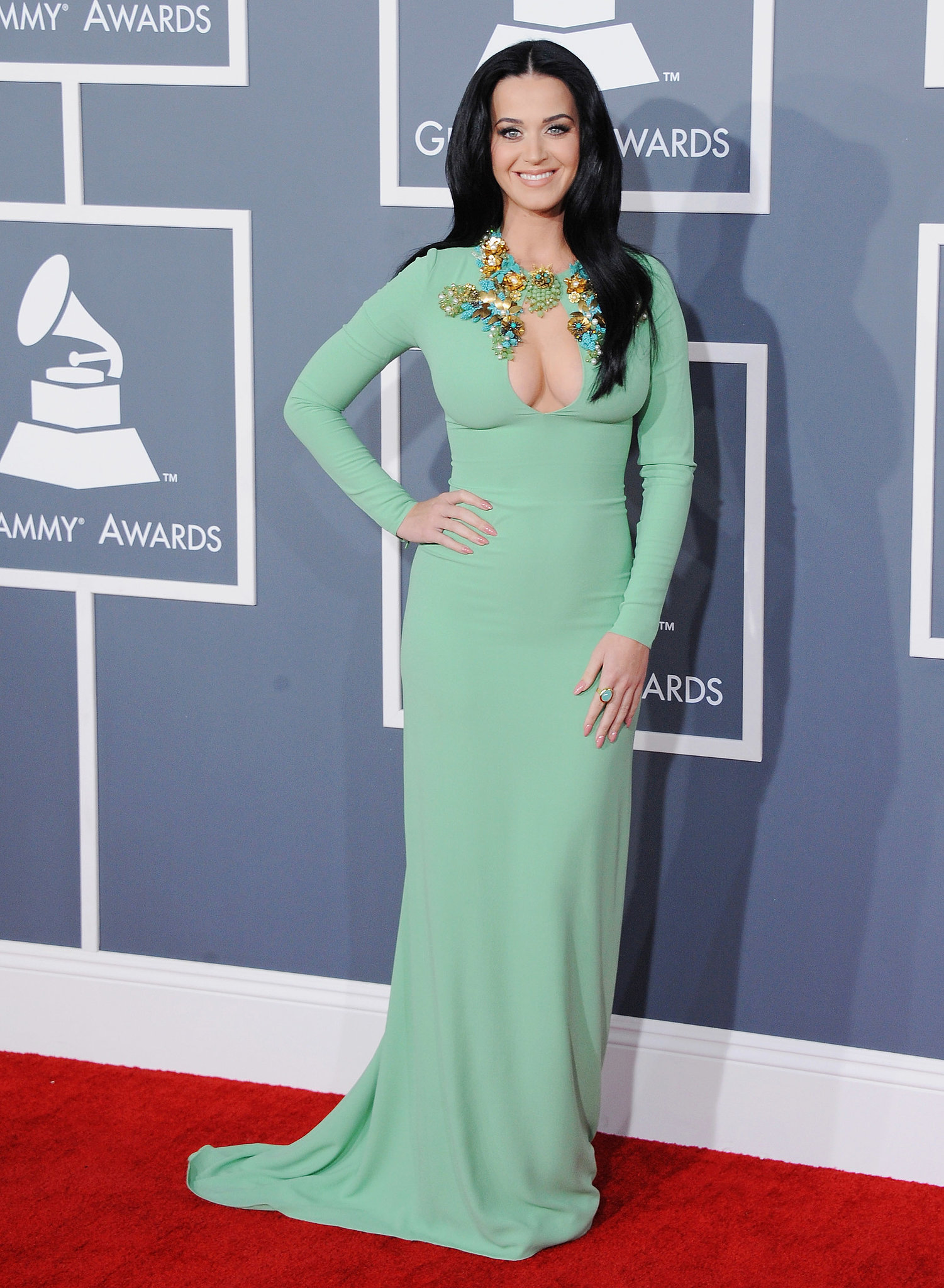 Katy Perry Took The 2013 Grammys Red Carpet By Storm In A Dazzling How Katy Perry Transformed