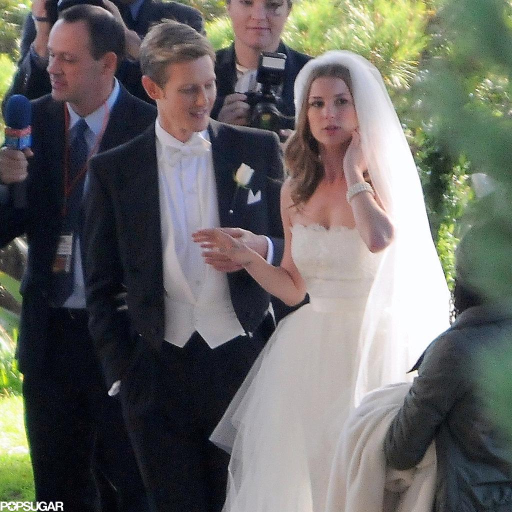 Emily VanCamp filmed a wedding scene with Gabriel Mann on the set of Revenge in LA on Tuesday.