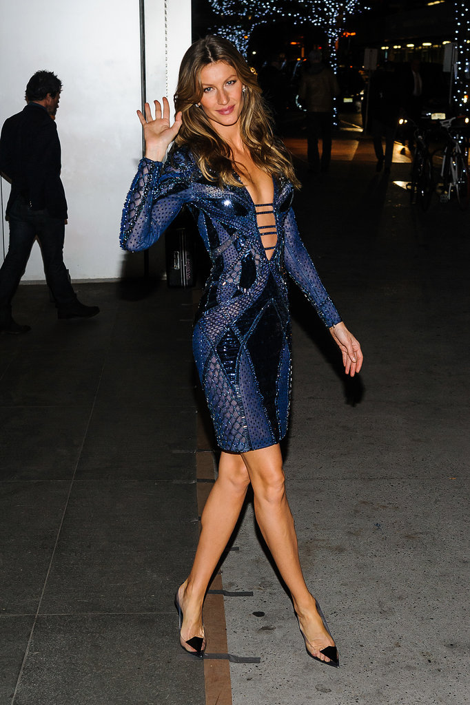 Speaking of hard looks to pull off . . . we dare to imagine anyone who could work Atelier Versace's curve-hugging dress the way Gisele Bündchen did at the WSJ magazine bash.