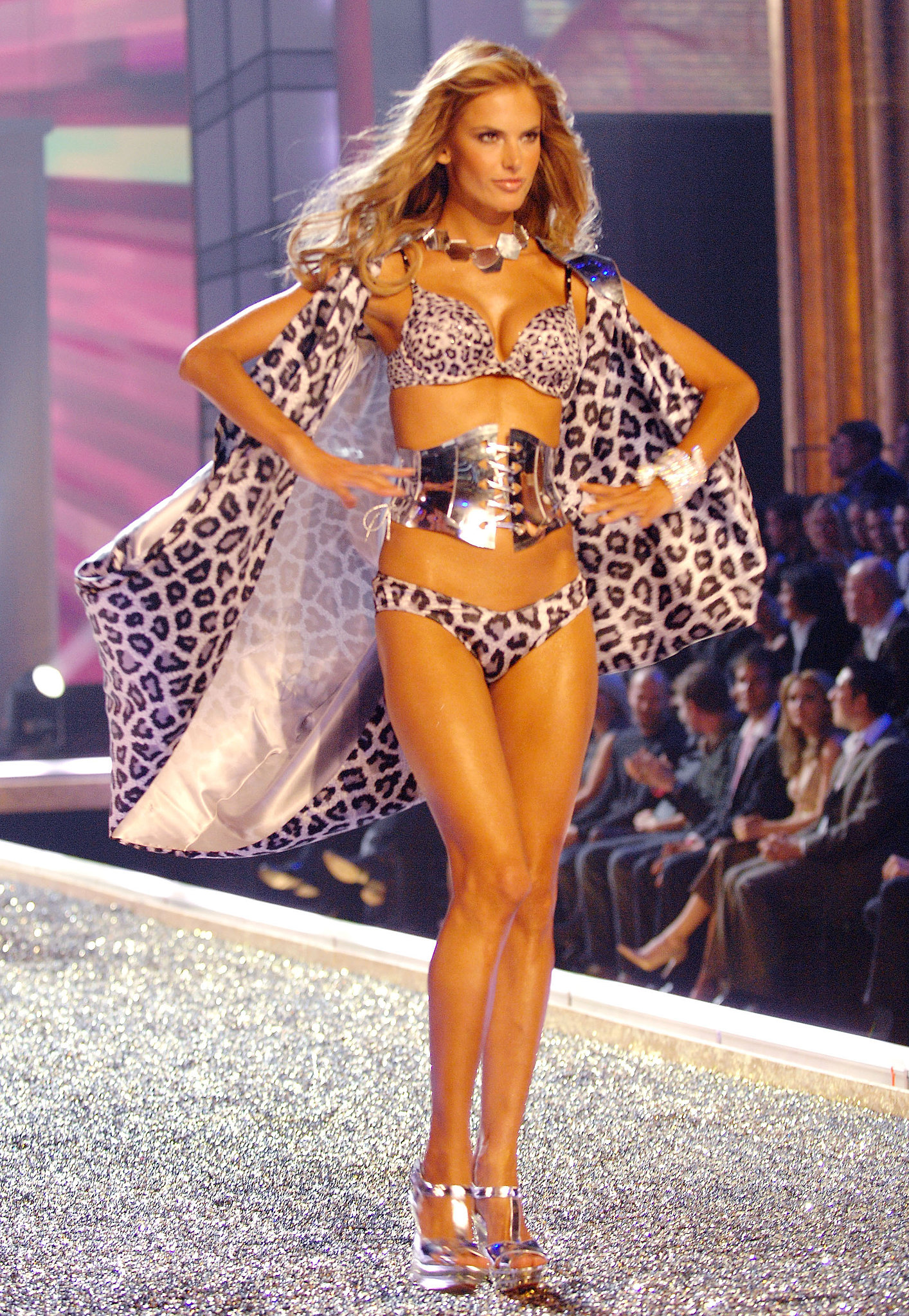 Alessandra channeled superhero-cool on the runway in 2007.