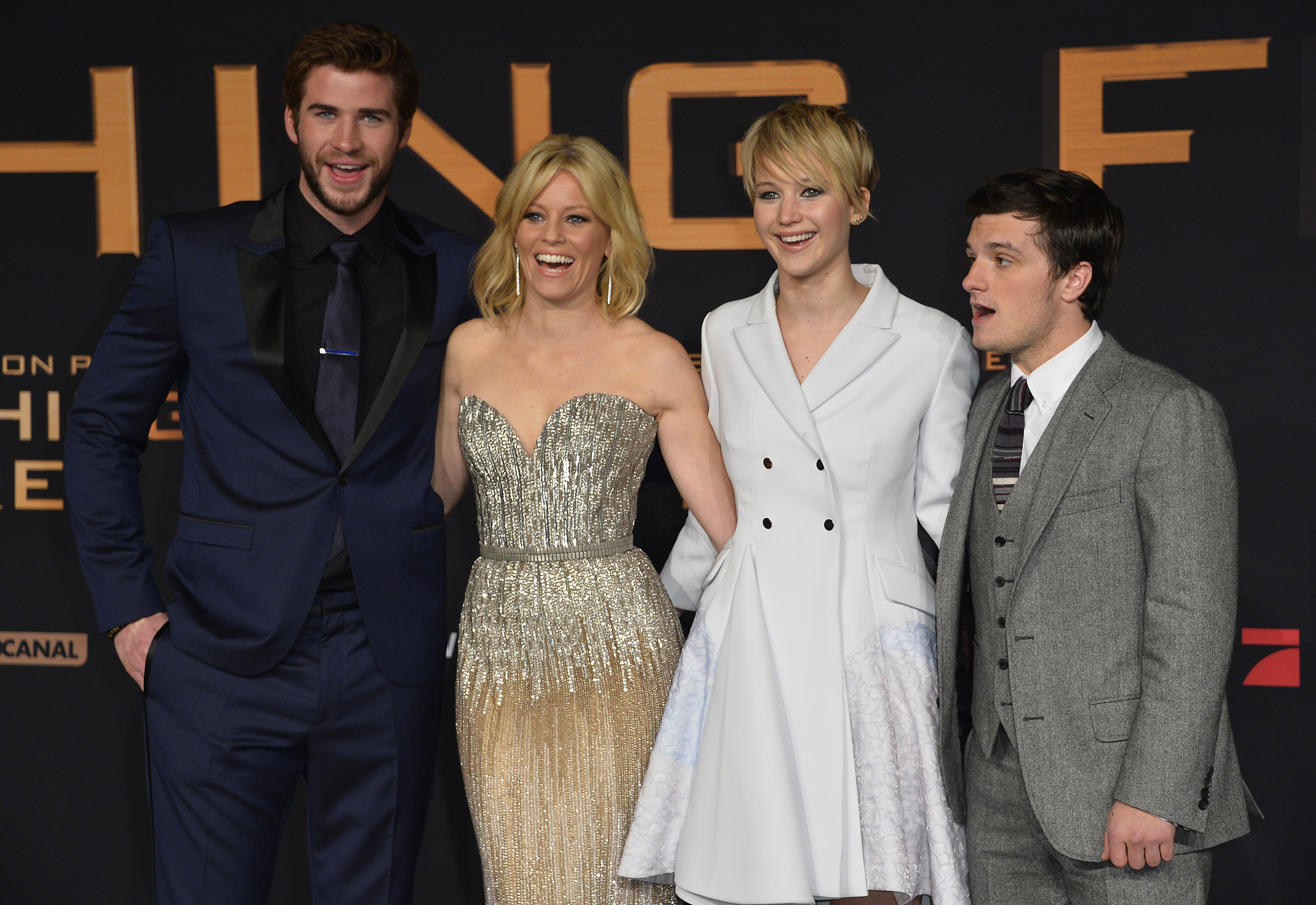 Liam Hemsworth, Jennifer Lawrence, Josh Hutcherson, and Elizabeth Banks all posed for pictures together.