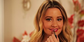 Tips For Wearing Berry Lipstick Like a Pro