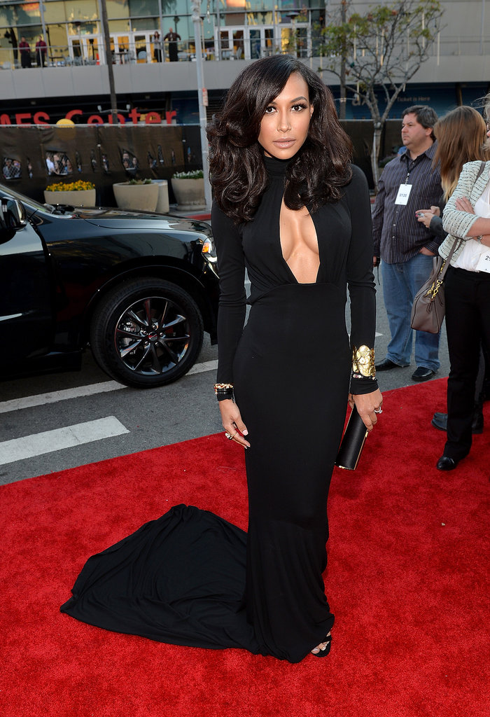 Leave it to Naya Rivera to one-up her own sexy 2013 VMAs look with this stunning, cleavage-baring Michael Kors creation and Marina B jewels.