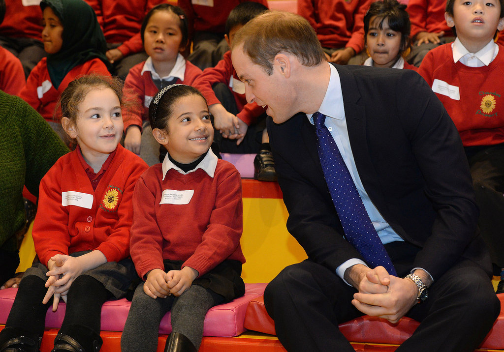 Prince-William-leaned-chat-kids-during-story-time.jpg
