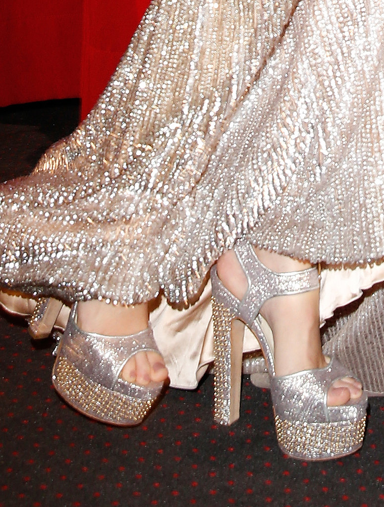 It was high-wattage glam for Elizabeth Banks, who picked silver platform sandals for the German premiere of Catching Fire.