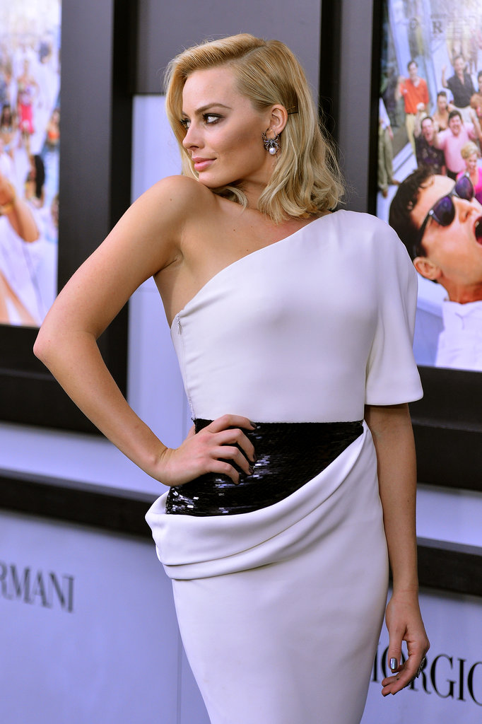 Margot Robbie struck a sultry pose on the red carpet.