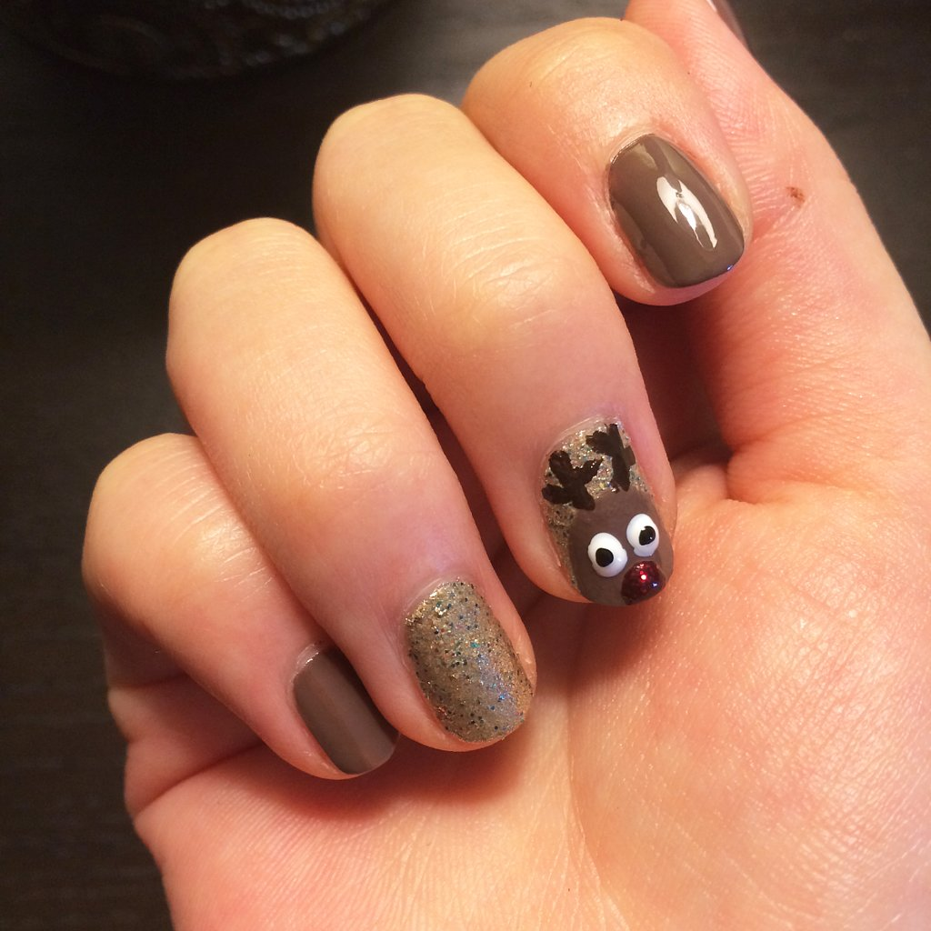 Reindeer Nail Art: Reindeer Nail Art