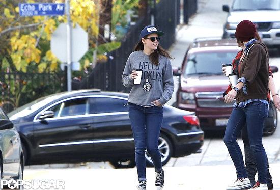 Kristen-Stewart-had-casual-Sunday-friends