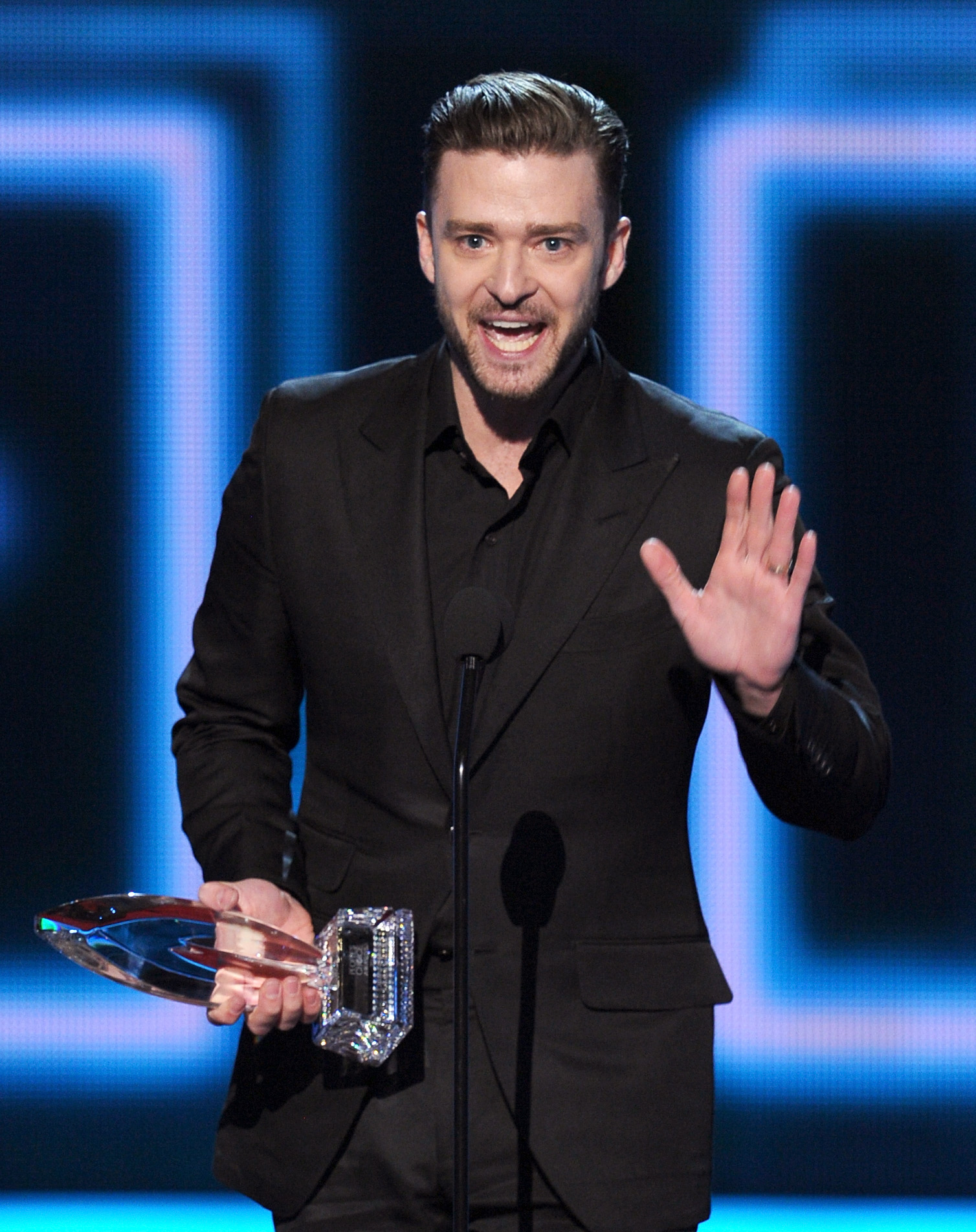 Justin Timberlake took to the stage to accept the award for favorite album.