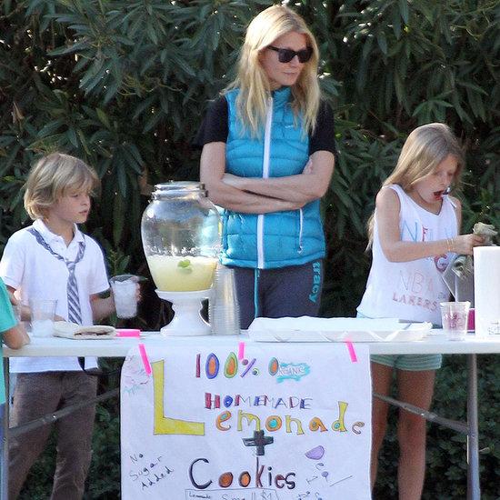 Gwyneth Paltrow and Her Kids Selling Lemonade