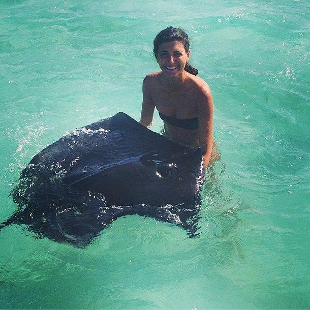 Giovanna Battaglia made a new friend on her vacation. Source: Instagram user bat_gio