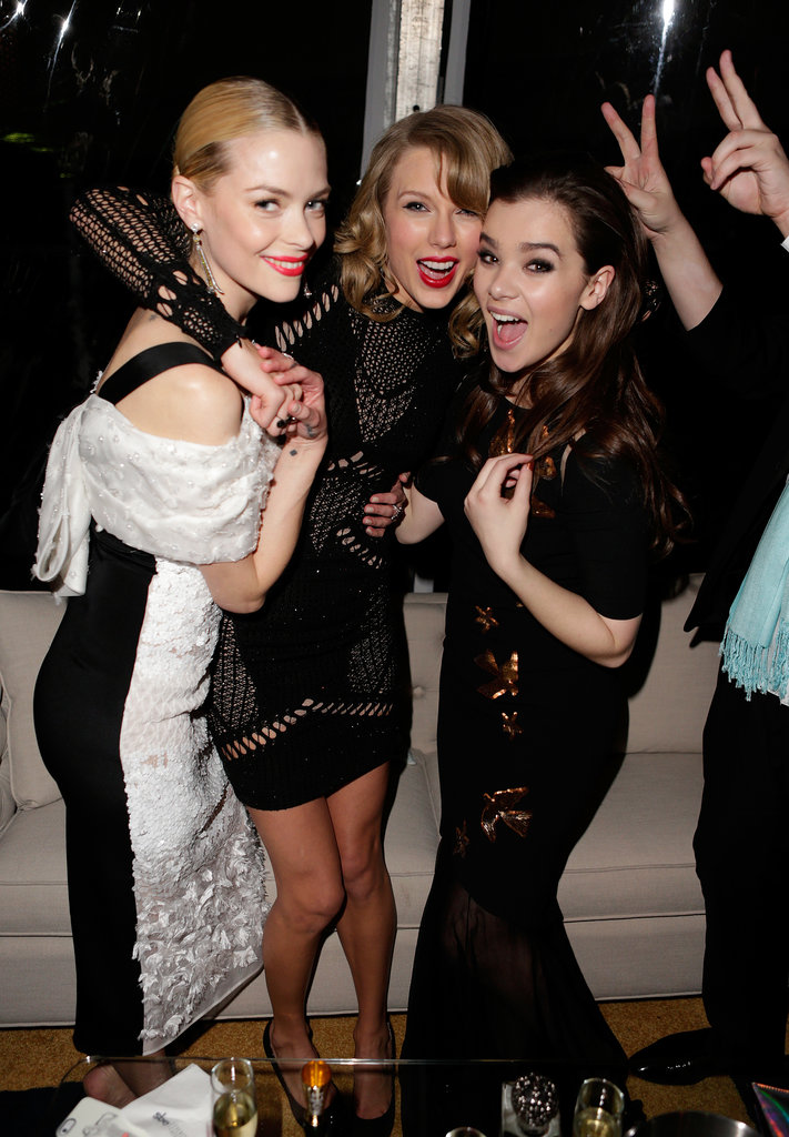 Jaime King, Taylor Swift, and Hailee Steinfeld turned a Golden Globes afterparty into a dance party.